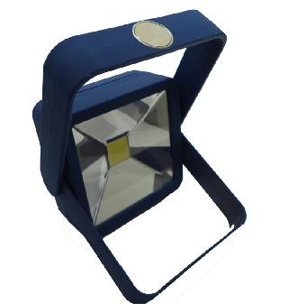 WORKLIGHT LED WITH MAGNET 4AAA BATTERIES INCLUDED