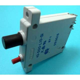 CIRCUIT BREAKER 15A 250VAC PUSH 1P QT WITH RESET BUTTON