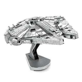 <strong>ICX200BC1</strong><br>MILLENNIUM FALCON METAL EARTH 3D METAL MODEL KITS